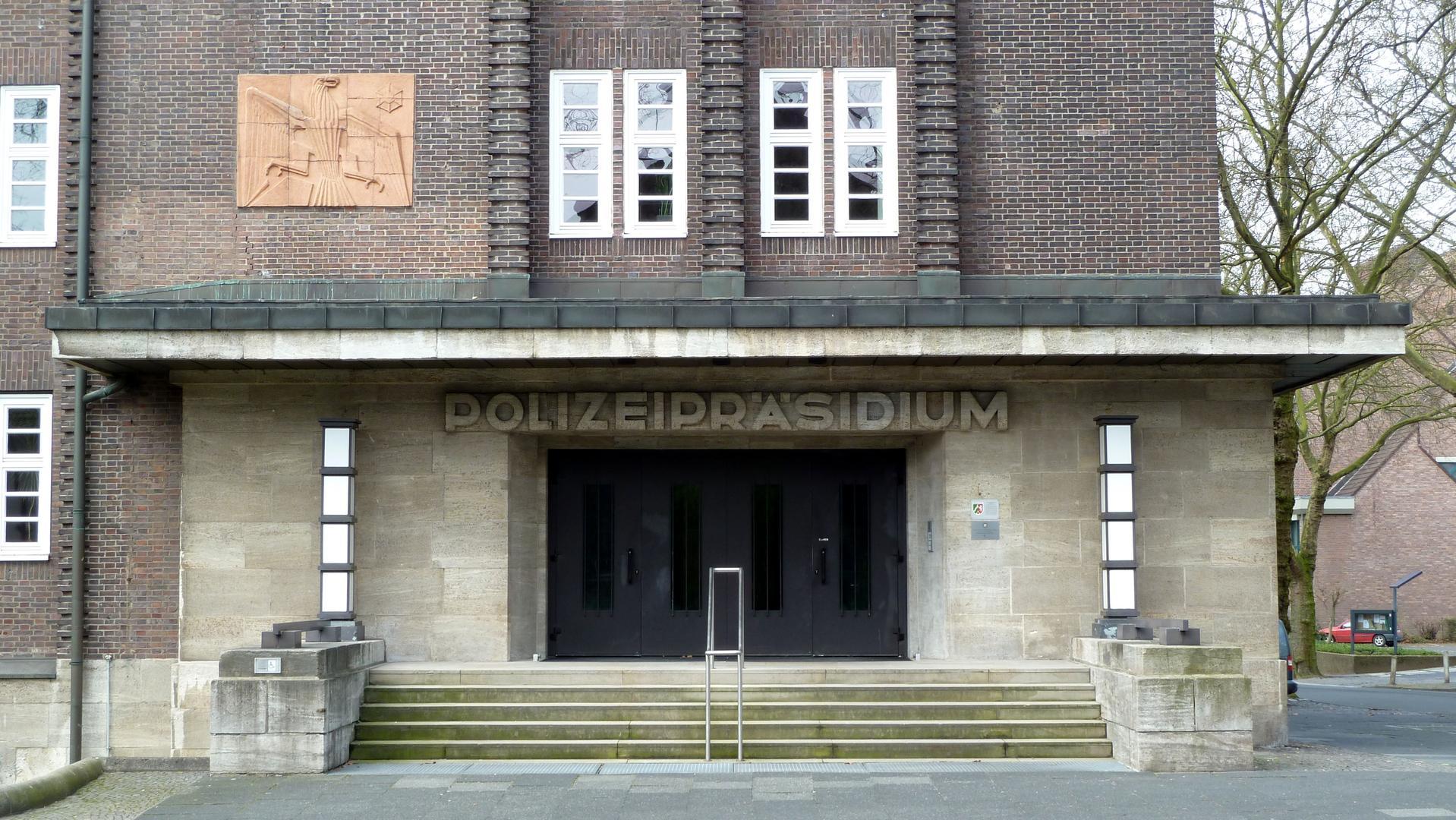 Schreiner Bochum artibeau carl moritz schreiner hoheitszeichen polizeipräsidium